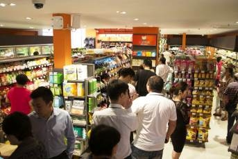 Carrefour launched its second Easy Carrefour store in Shanghai on June 30. The new proximity format store is located on Chaling North Road, Xuhui District.