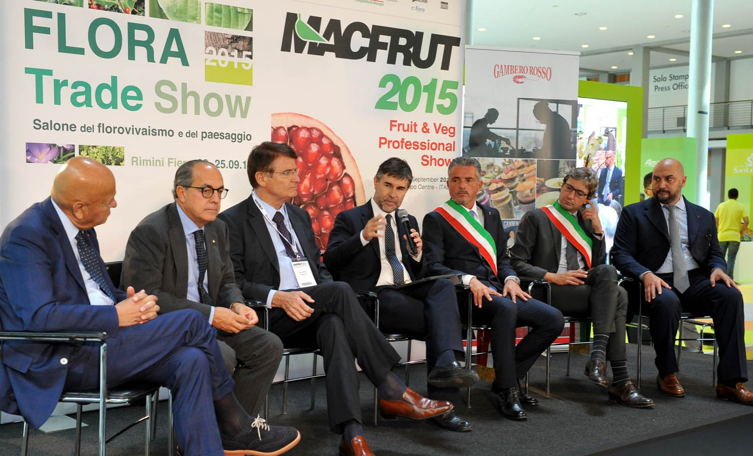 The 32nd edition of Macfrut has officially opened, with exhibitors increasing to 1,000 plus 30 delegations from abroad and 350 buyers attending.