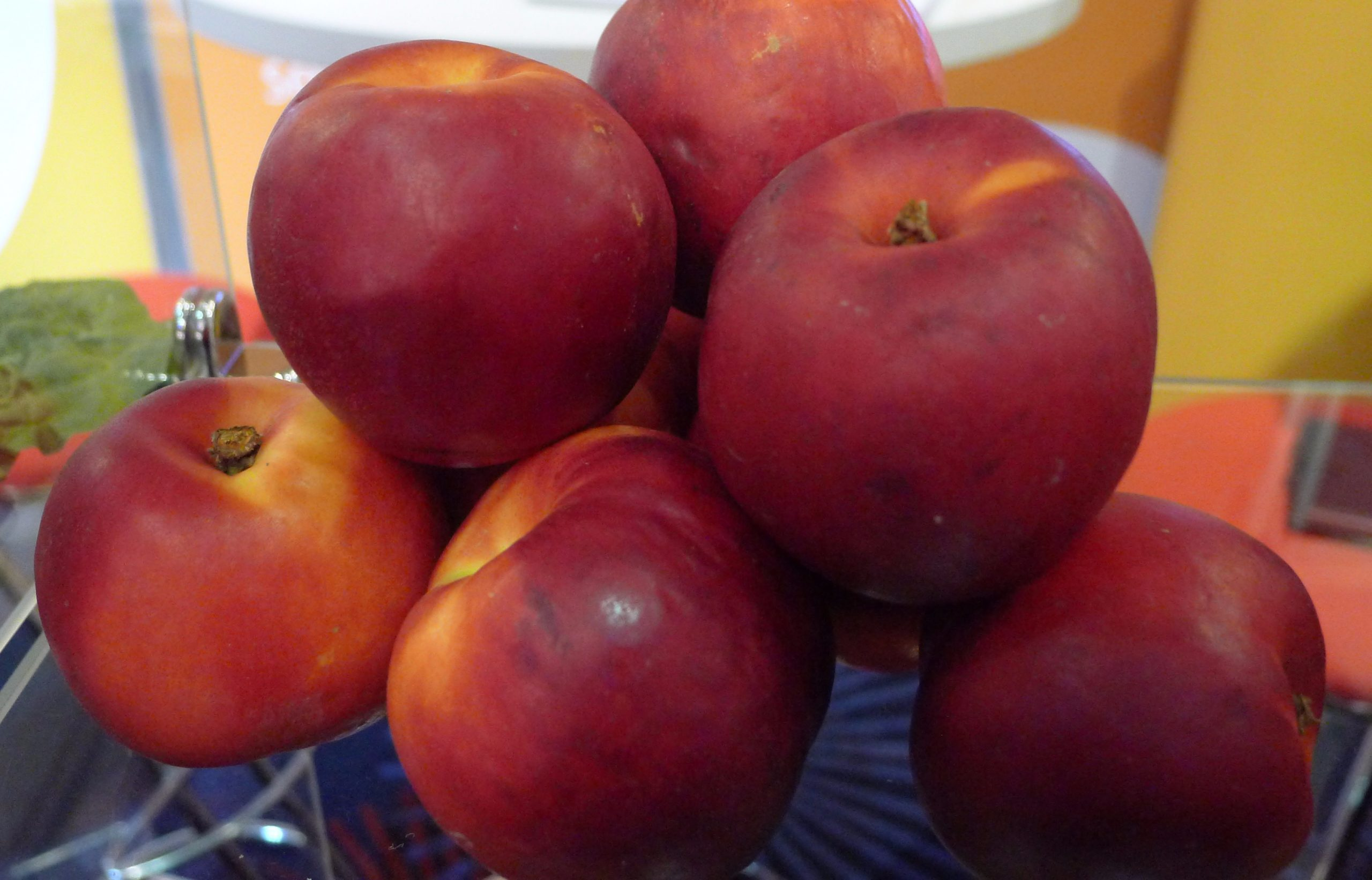 A 3.7% drop in EU peach and nectarine production – to 4 million tons – is forecast for 2015/16, while that for cherries is projected at 745,900 tons, remaining flat compared with last season, according to the USDA Foreign Agricultural Service (FAS).