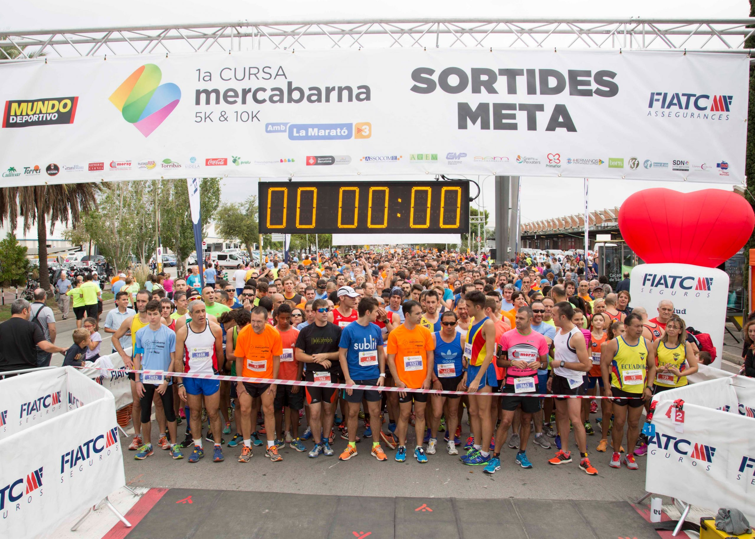 The inaugural Mercabarna fun run attracted more than 3,000 people to Barcelona's wholesale market on Sunday. Along with the race itself - in which 1,520 runners participated – there were a range of activities related to fresh food and designed to showcase the key role of the Mercabarna food complex, one of largest in Europe.