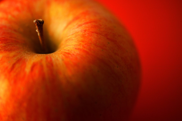 As for the varieties, red apples gained in market share since the consumer prefers them.