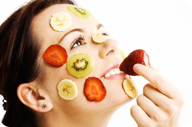 Here are some ways to use your fruit and veg for easy to prepare natural beauty treatments.