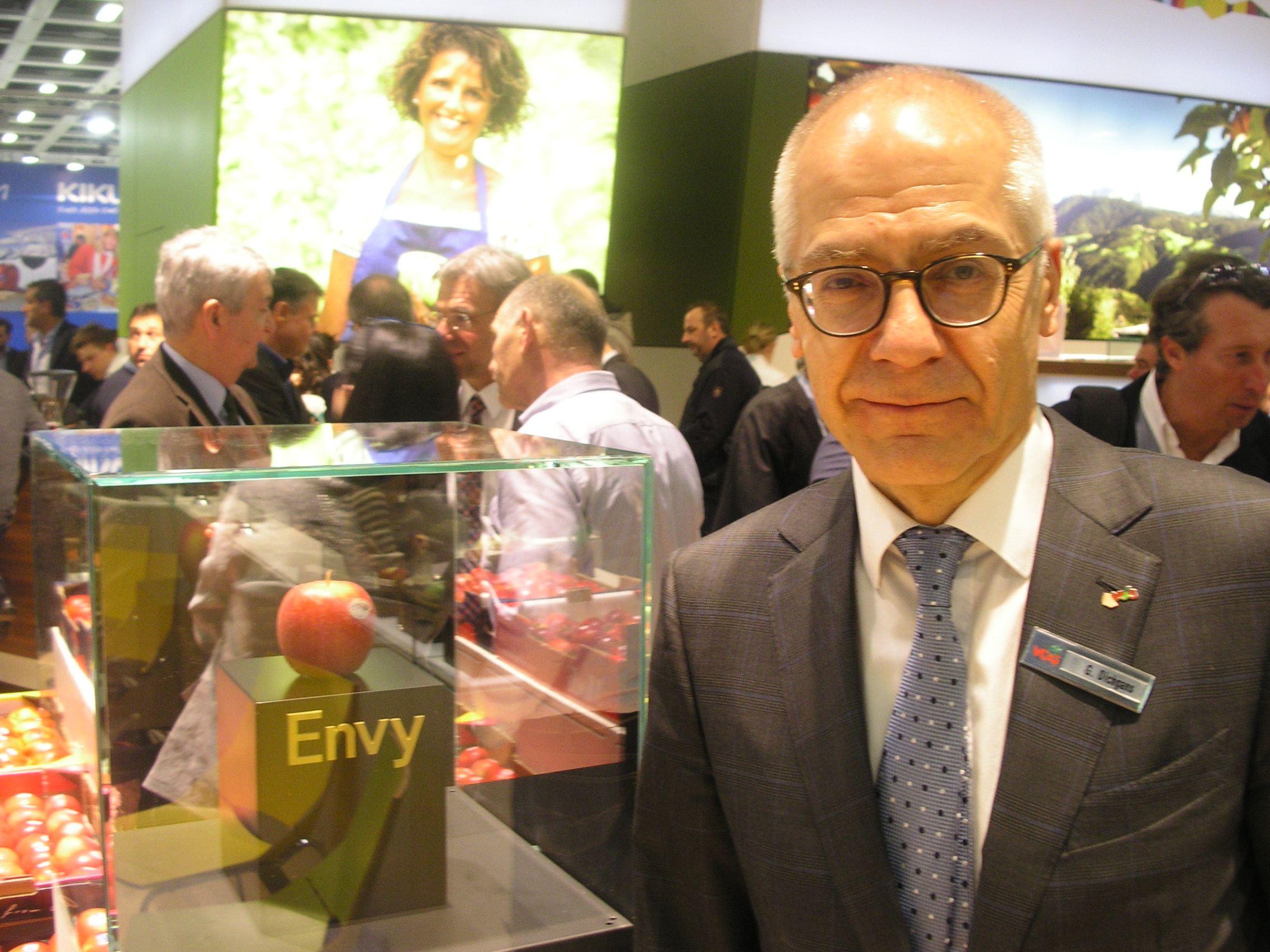 Thanks to an agreement signed with New Zealand's ENZA, the distributor and holder of the trademark rights, VOG is Italy's exclusive producer of the Envy apple, together with the second project partner in Alto Adige, the VI.P. Consortium.