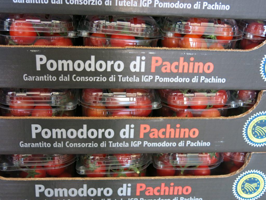Launched in 2015, the Pach.Ita brand brings added value to the top-quality segment grown in Sicily.