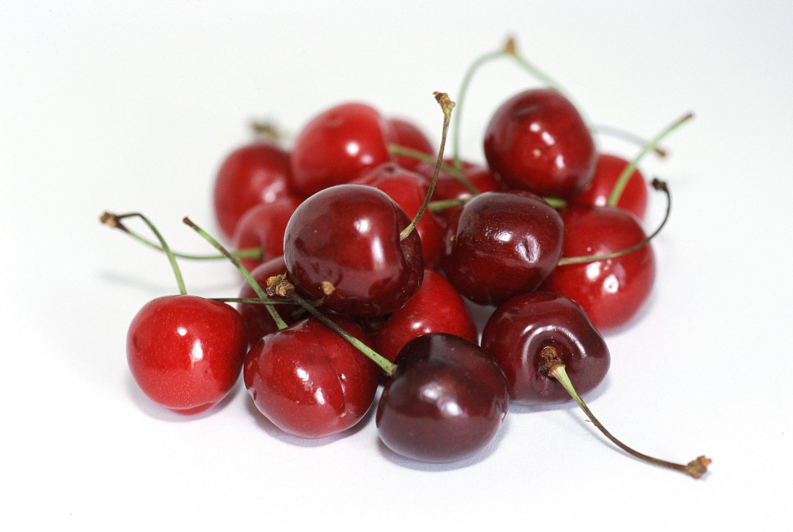 In 2015/16, the following weather conditions combined to reduce yields of cherries, table grapes and apples in Chile: 1) higher than ideal temperatures reduced the number of chill hours during the winter; 2) rainfall during the spring and harvest season; and, 3) high relative humidity during the summer.