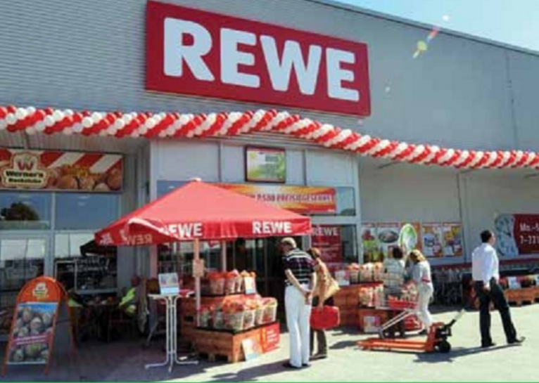 Rewe prepares for long-term market turnaround by meeting customers' needs when shaping the range
