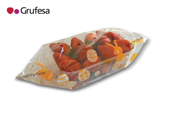 With 500 ha located in Huelva, Grufesa has earned a solid reputationas a strawberry specialist. However, in recent year it has diversified supply, repeating itssuccess with premium blueberry and raspberry programmes, traded under the Mister Blue andHanna brands.