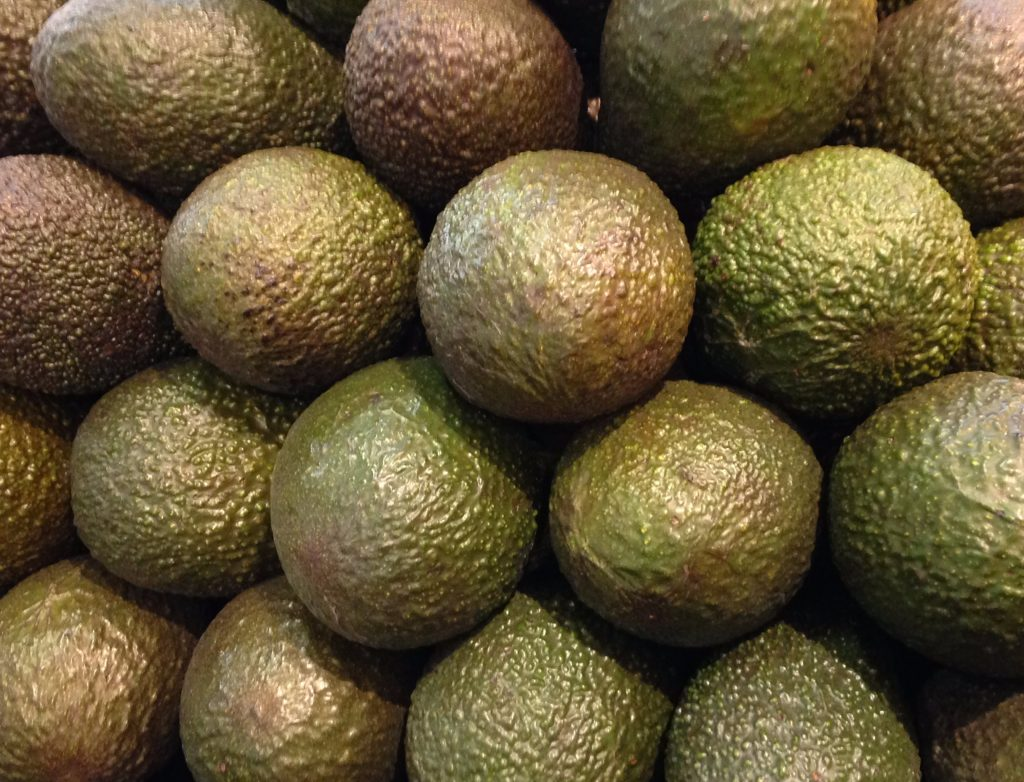 Mexico's Hass avocado production is forecast to rise to 1.8 million tons and its exports to total over 1.0 million tons in 2016/17.