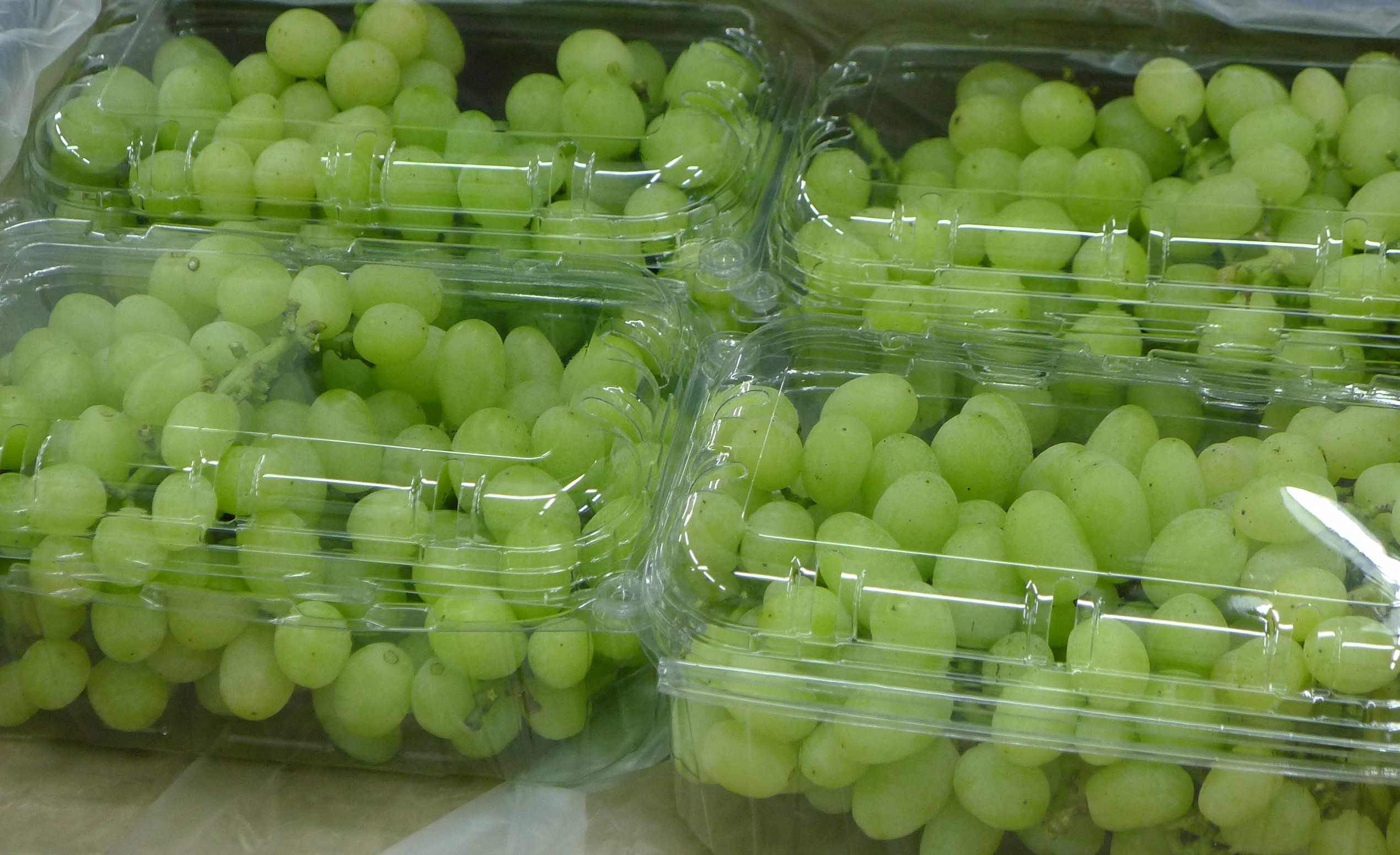 India's Mahindra says it is closer to becoming a major world player in grapes on agreeing to buy a 60% stake in Dutch global fruit distributor OFD Holding.