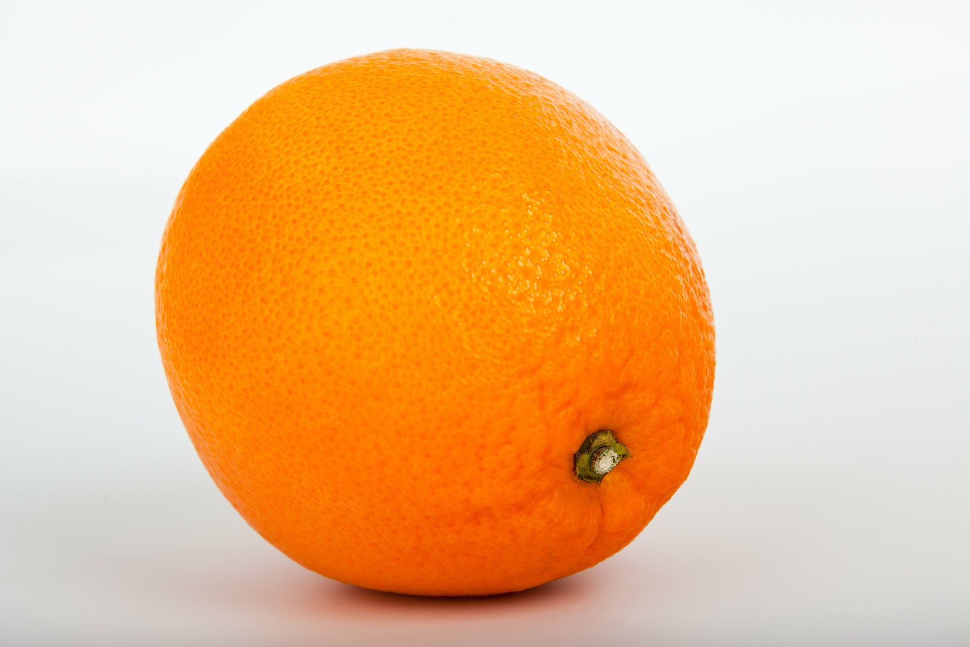 Morocco's orange exports are expected to reach around 120,500 tons in the 2016/17 marketing year – up 29% from 92,246 tons in 2015/16 – as increased availability allows it to meet growing demand from Russia and the EU, according to a new GAIN report.