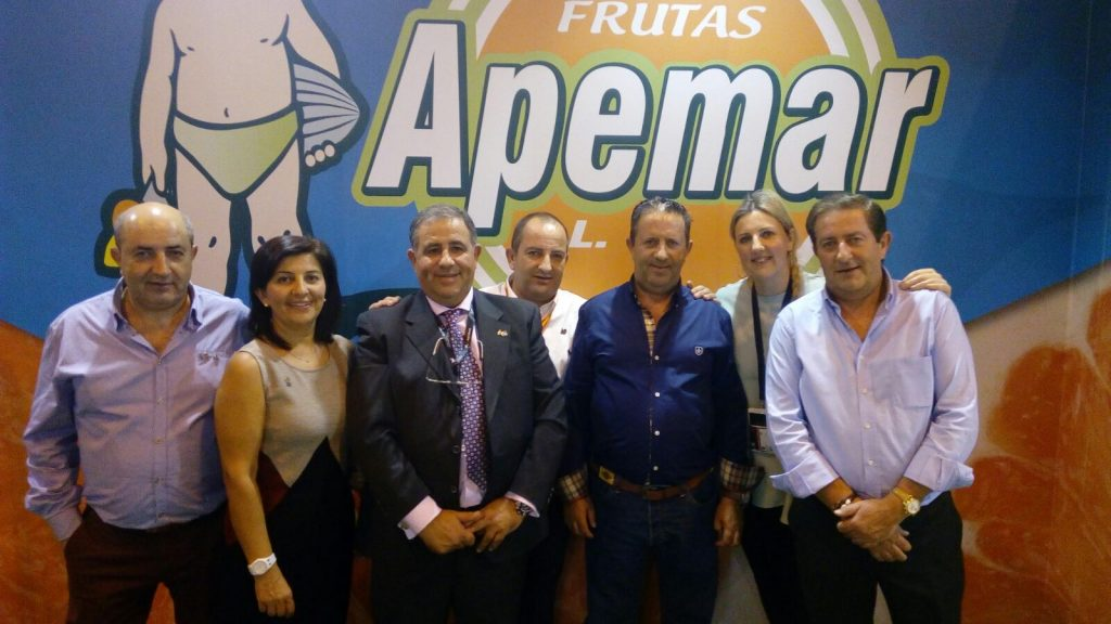 Apemar is a family business founded more than 50 years ago, based in Murcia. The company specialises in lemon and grapefruit. Apemar allocates a percentage of its Spanish production to overseas markets