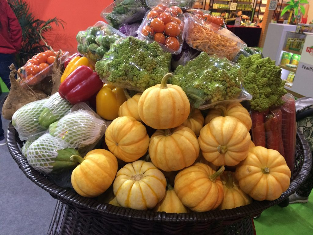 Municipal direct sale points across Turkey have sold some 15,000 tons of fresh fruits and vegetables