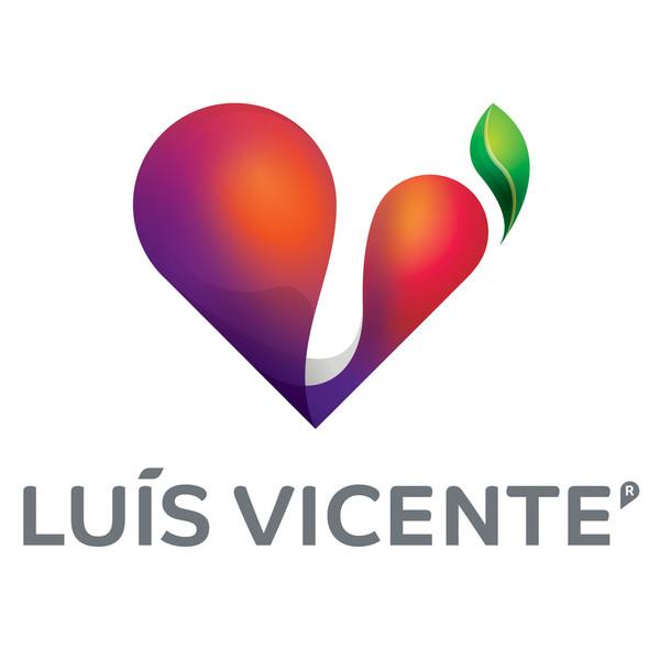 Luis Vicente presents 'Maria' brand of premium fruit