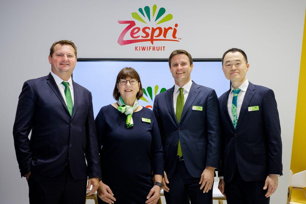 Zespri Director Nathan Flowerday with Linda Mills (Chief Market Performance Officer), Dan Mathieson (CEO), Jiunn Shih (Chief Growth Officer) - © Zespri