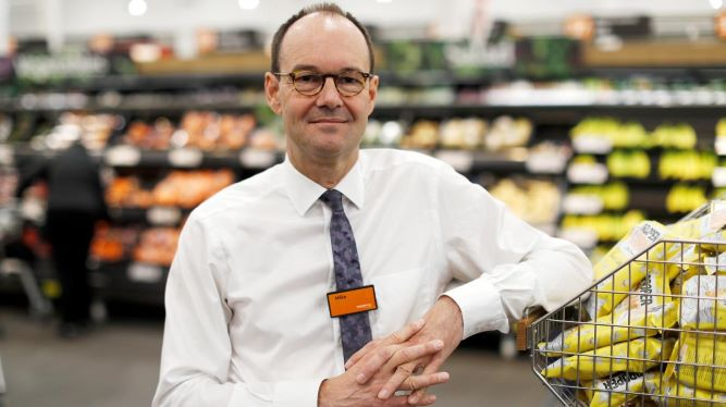 """Departure of Sainsbury's CEO """"not due"""" to Asda deal collapse"""