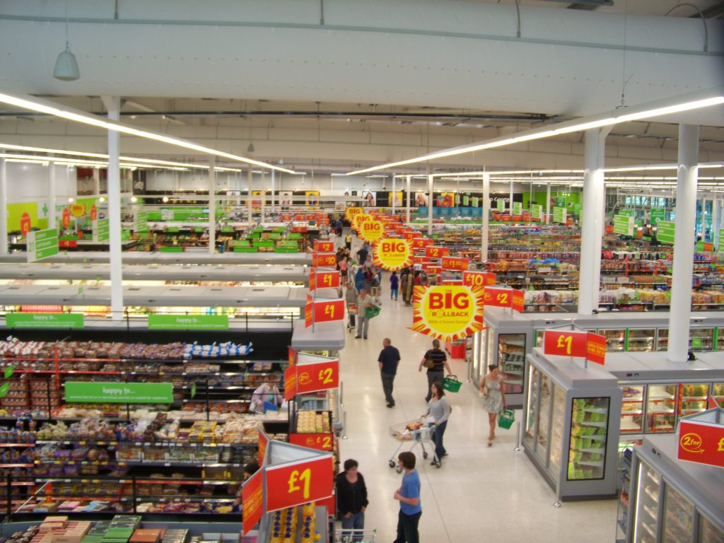 Discounters gobble up market share in UK