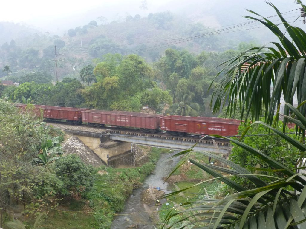 New train route between China and Vietnam
