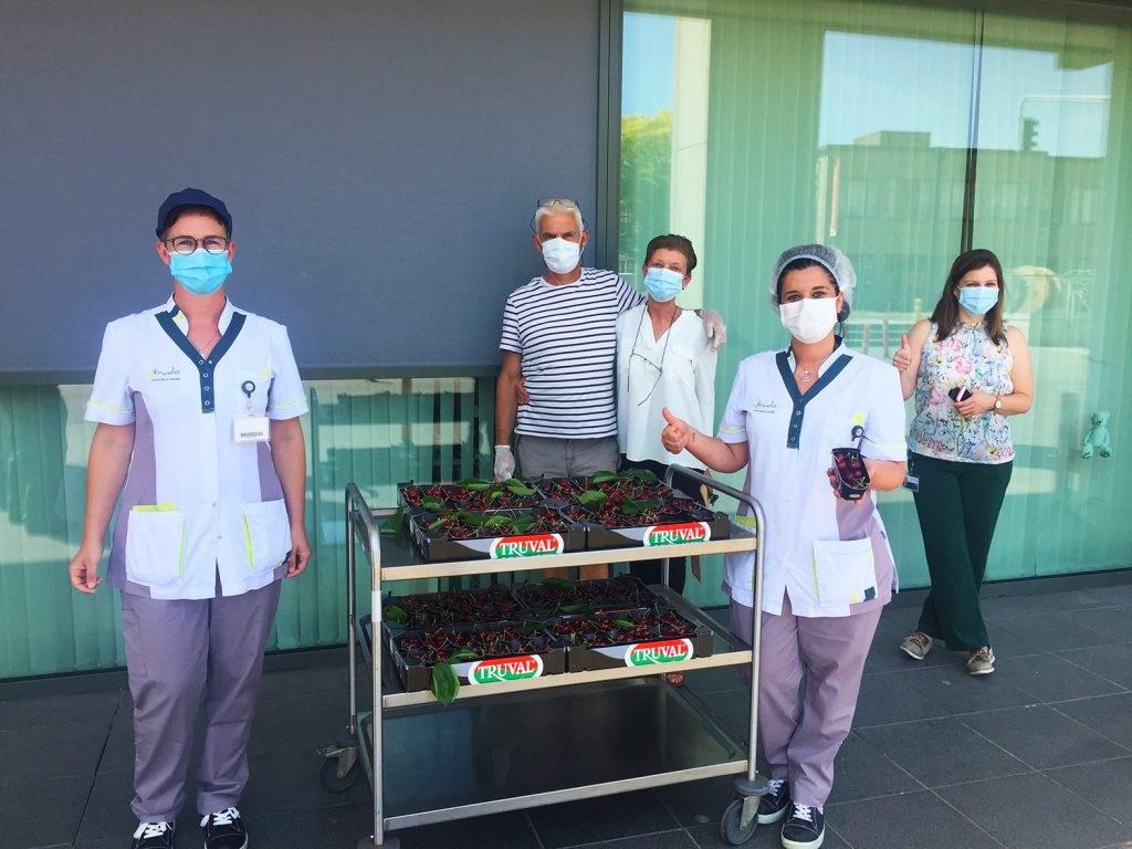 First Belgian cherries of the new season are for the healthcare heroes from Sint-Trudo hospital in Sint-Truiden