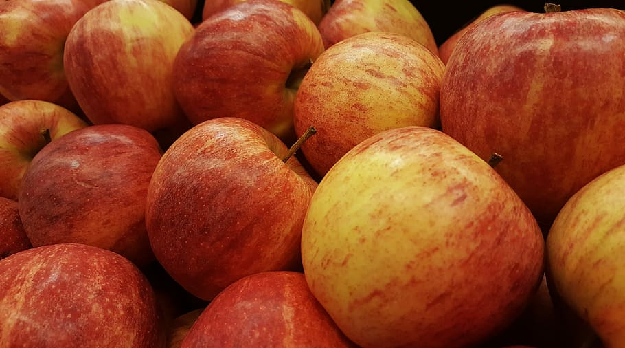Bhutan government vows to buy back apples if lockdown continues