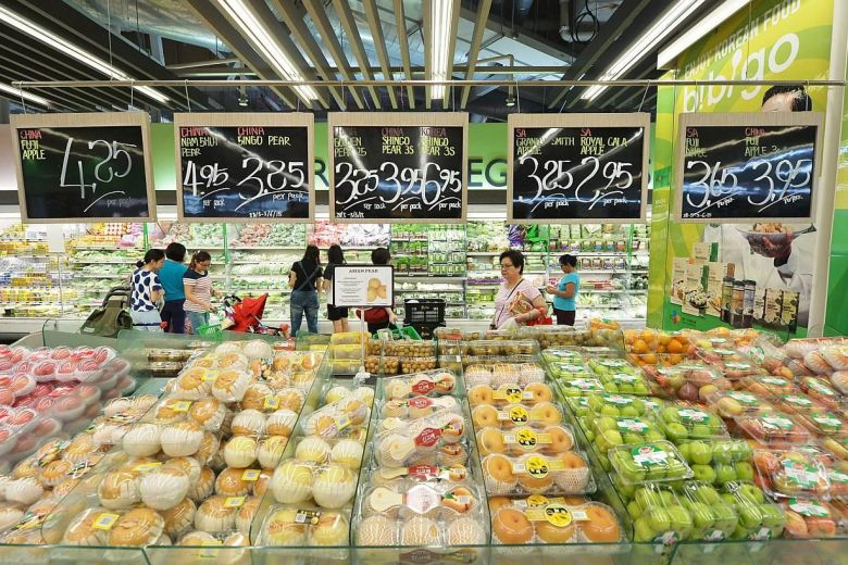 FairPrice combats food waste © ALPHONSUS CHERN (Source: The Straits Times)
