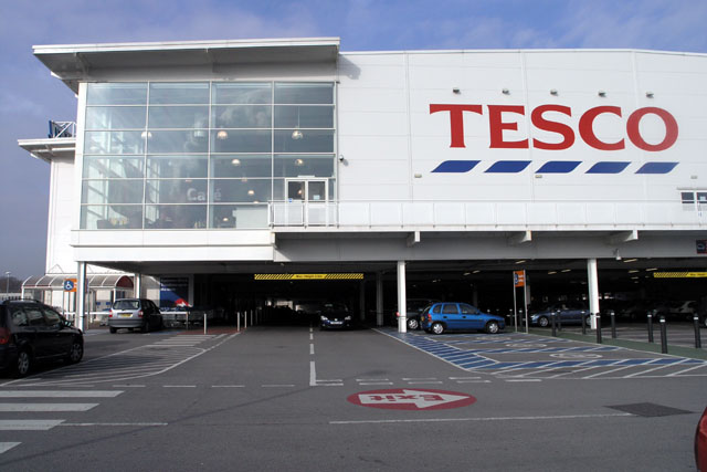 Tesco to return money meant to support struggling retailers © David Lally, licensed under Creative Commons Licence
