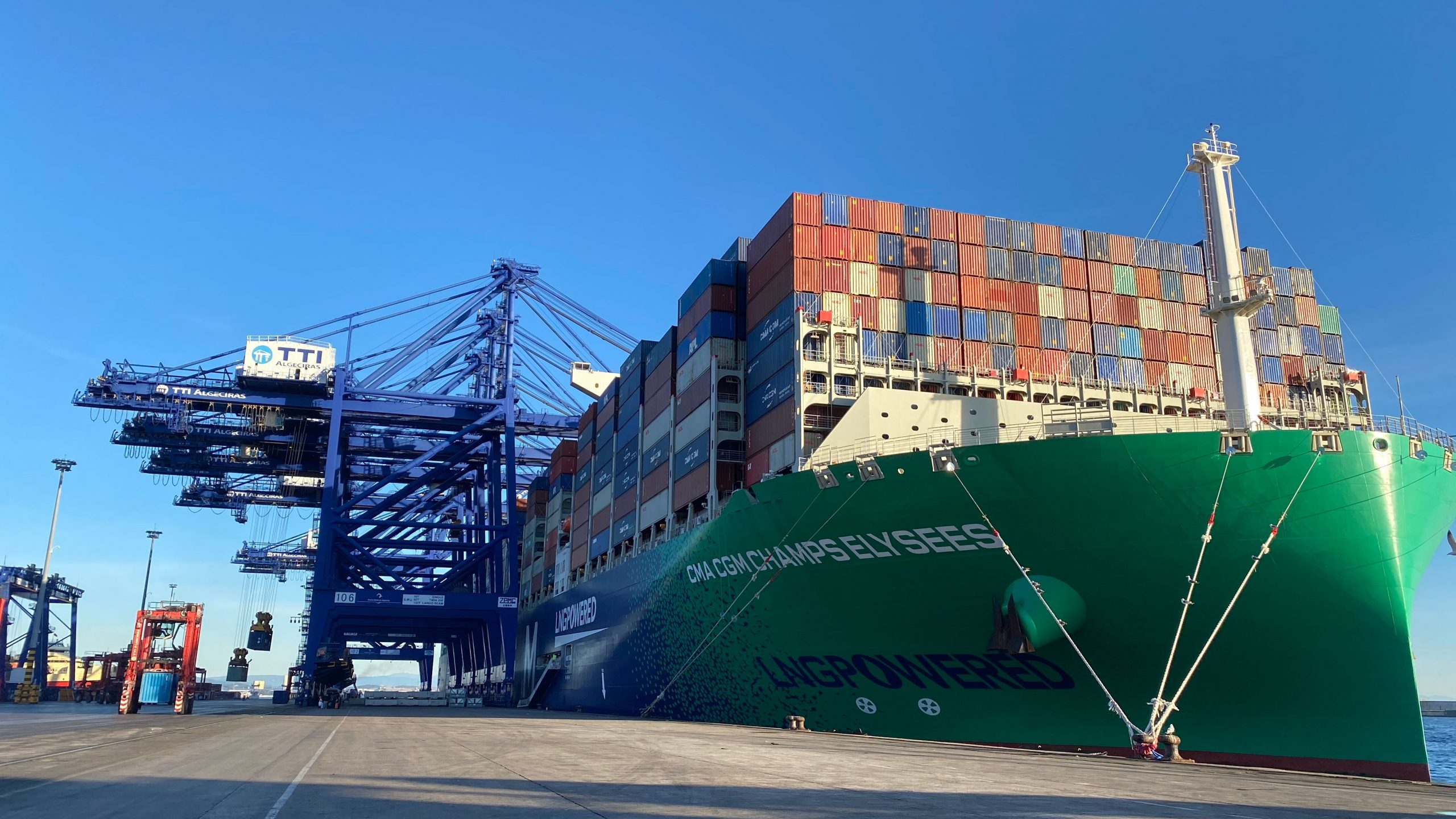Algeciras Port has started the operation of the second megaships empowered by GNL