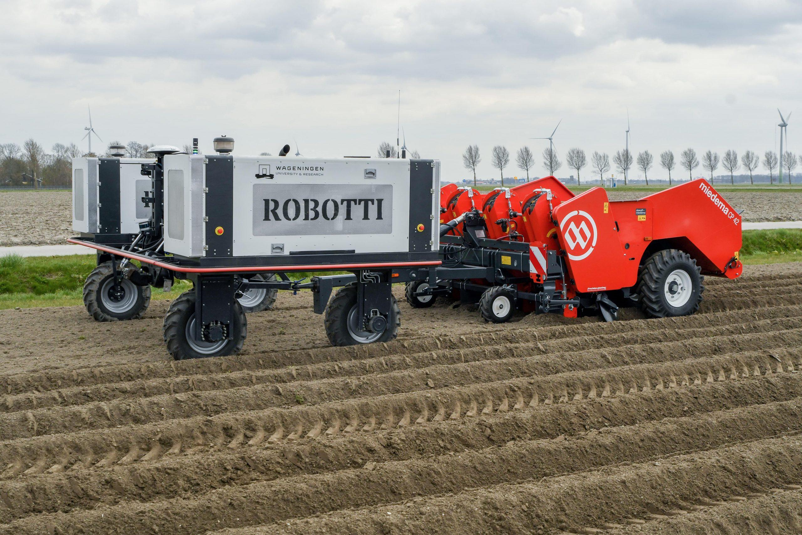 Dewulf and Agrointelli jointly explore autonomous potato planting